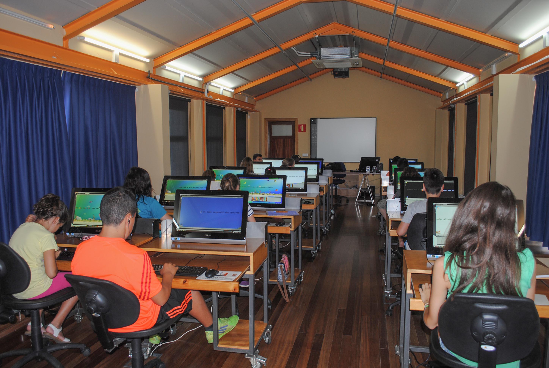 Informática para niños con inglés y tiempo libre